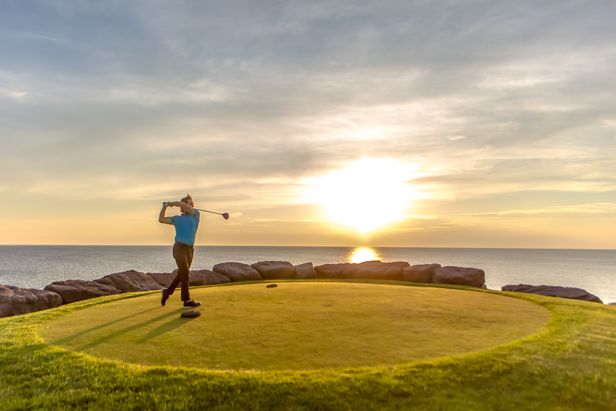 Golf is all about driving the ball straight. Classic links golf is all about keeping your ball low and away from the ocean. Here are some tips for mastering a links course.