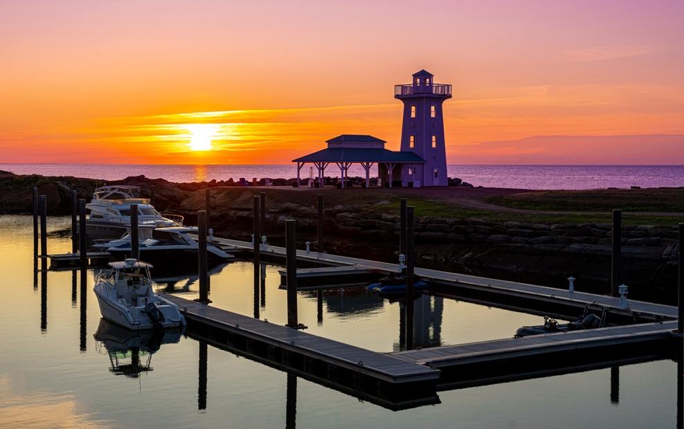 Marina-Lighthouse
